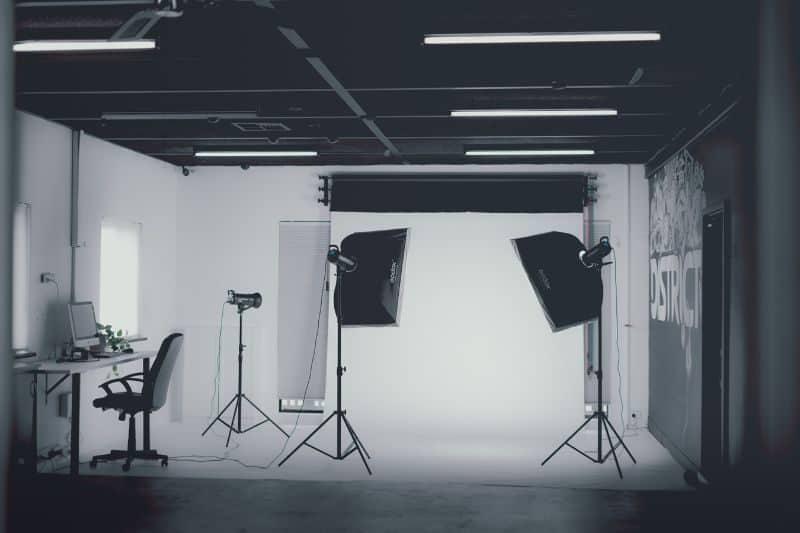 100-cabin-transformation-ideas-31-photography-studio