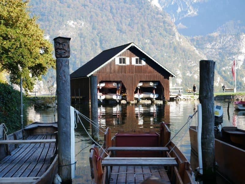 100-cabin-transformation-ideas-46-boat-garage