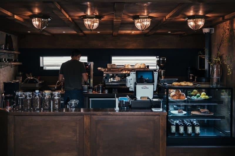 100-cabin-transformation-ideas-86-backyard-coffee-shop
