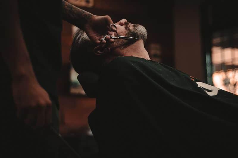 100-cabin-transformation-ideas-93-barbershop