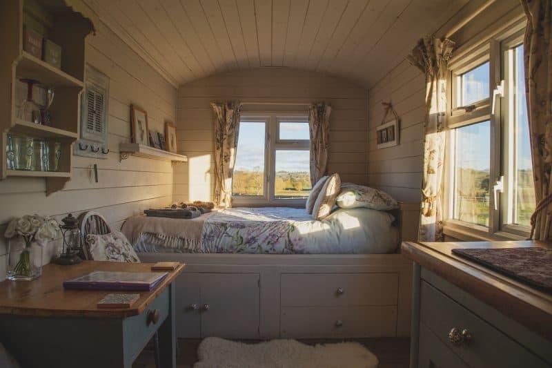 100-cabin-transformation-ideas-94-portable-building