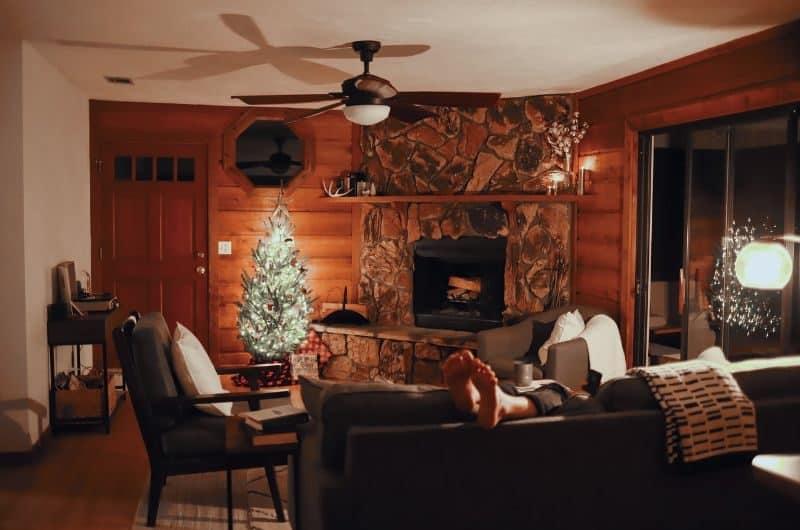 100-cabin-transformation-ideas-98-winter-hideout