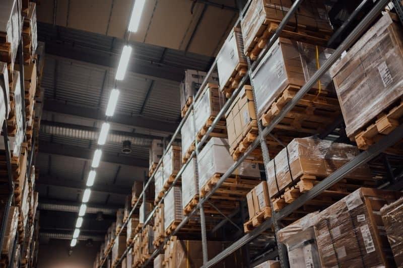100-cabin-transformation-ideas-warehouse