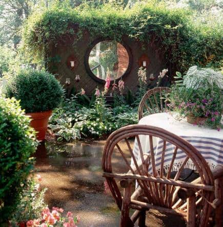 72 11 Amazing Ways To Use Mirrors In Your Garden
