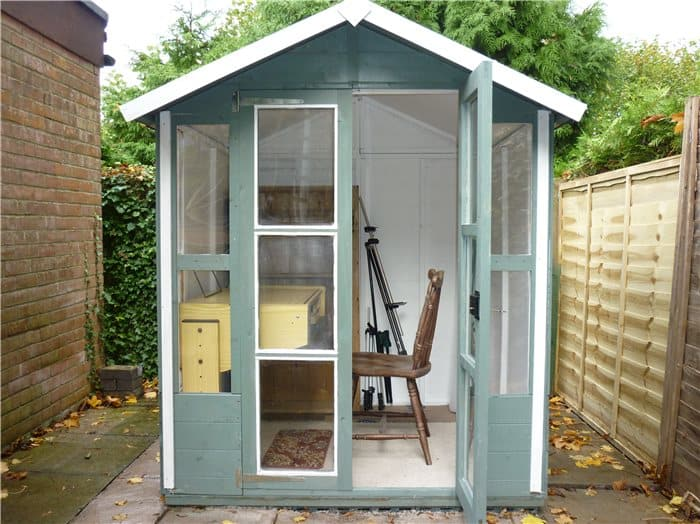 10 ways to transform your garden shed aarons outdoor living for Wooden studios for gardens