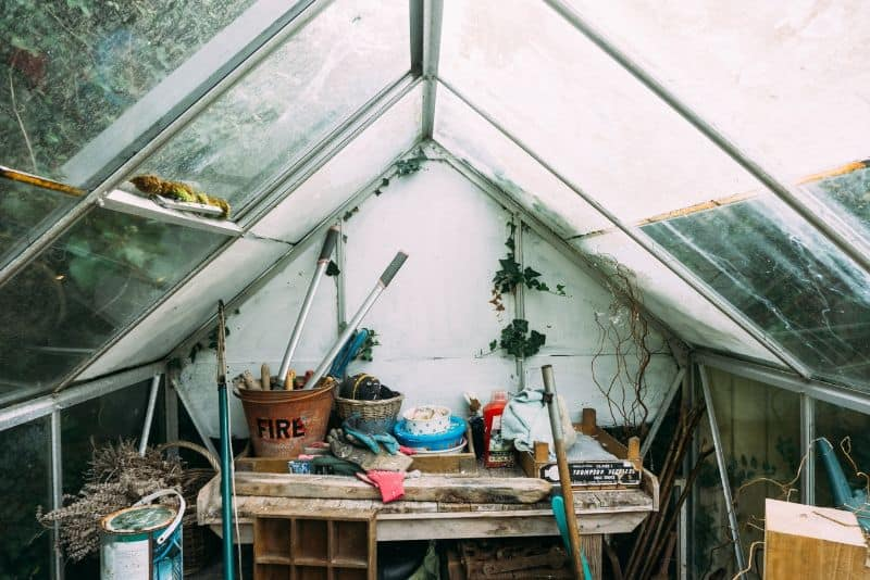 best-allotment-shed-ideas-3-declutter-your-allotment-tools