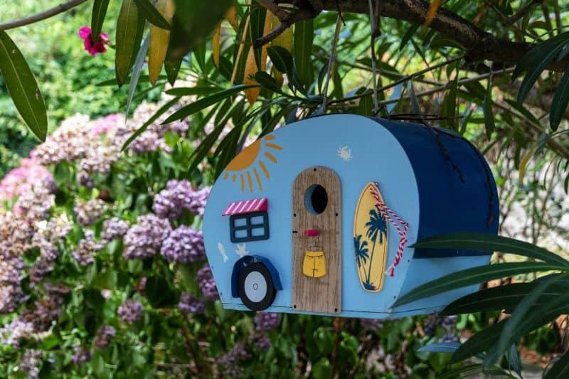best-kids-outdoor-activities-3-building-a-garden-birdhouse