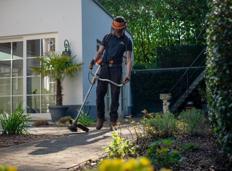 garden-lawn-care-tips-61-call-a-pro