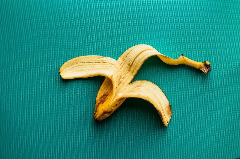 household-items-improve-garden-1-banana-peel