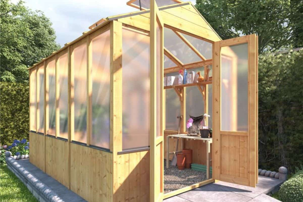 polycarbonate-greenhouse-amazing-advantages