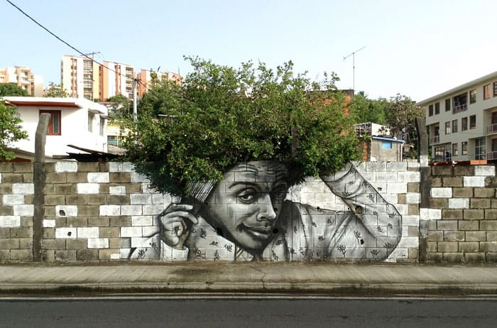 street art interacts with nature 1 19 Jaw Dropping Examples of Garden Street Art