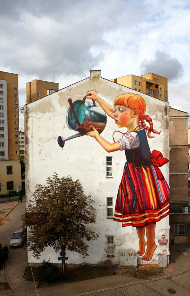 street art interacts with nature 2 19 Jaw Dropping Examples of Garden Street Art