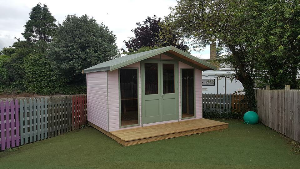 Summer House Ideas 10 Ideas For Decorating A Summerhouse Shed