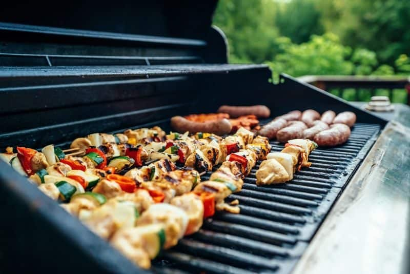 ultimate-bbq-party-ideas-10-prepare-the-food-before-your-guests-arrive