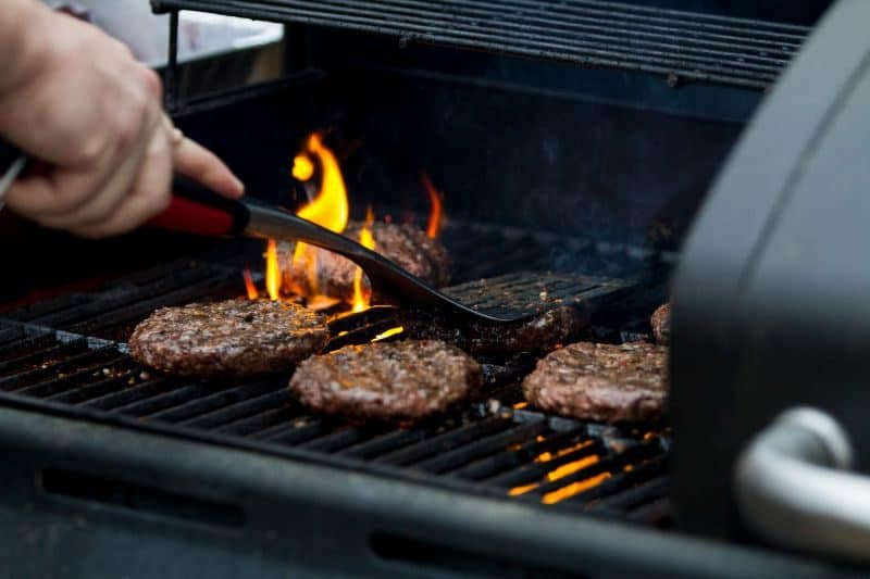 ultimate-bbq-party-ideas-15-ready-your-grilling-equipment