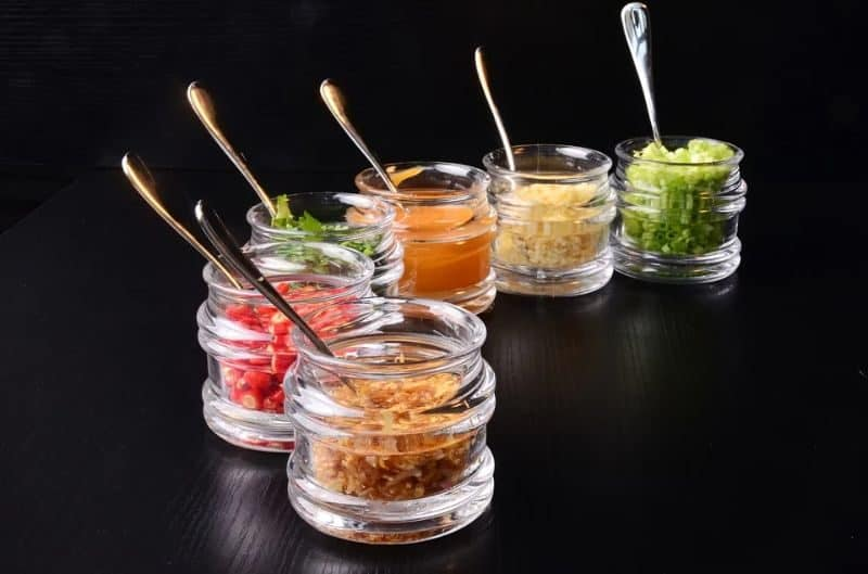 ultimate-bbq-party-ideas-17-condiments-sauces