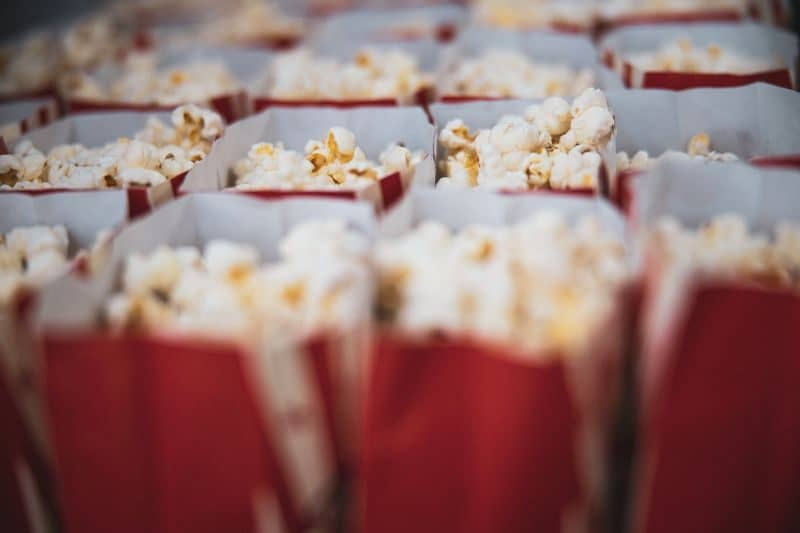 ultimate-bbq-party-ideas-22-popcorn-machine-bar