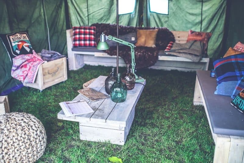 ultimate-bbq-party-ideas-32-set-up-a-tent
