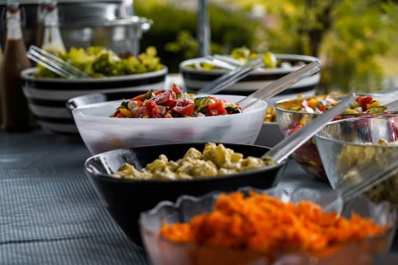 ultimate-bbq-party-ideas-49-dinner-buffet-bbq-party