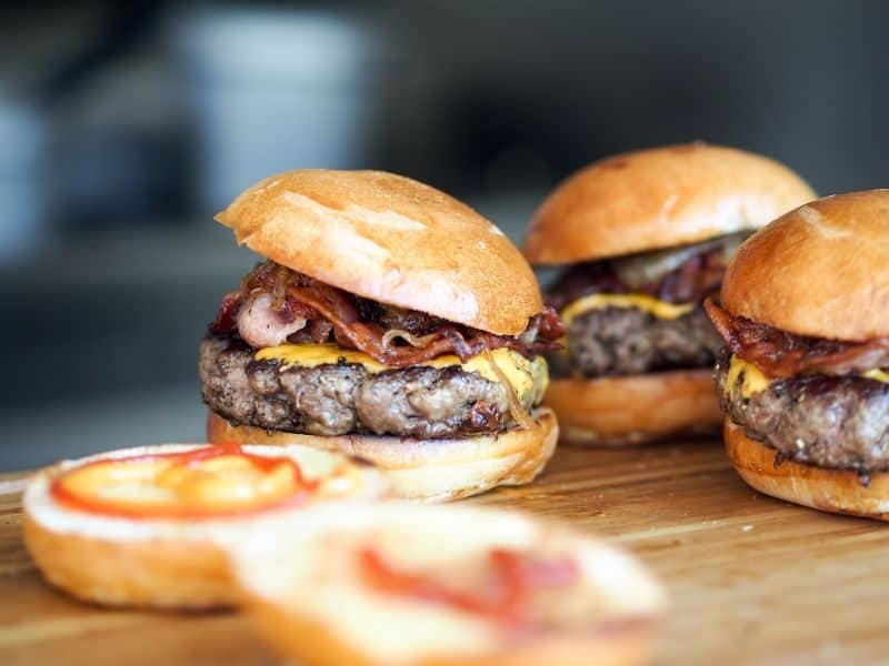 ultimate-bbq-party-ideas-54-burgers