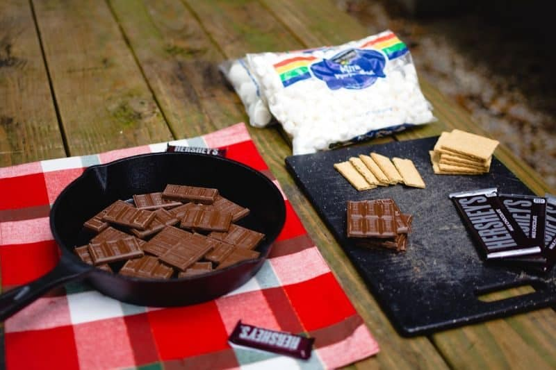 ultimate-bbq-party-ideas-66-smores-station
