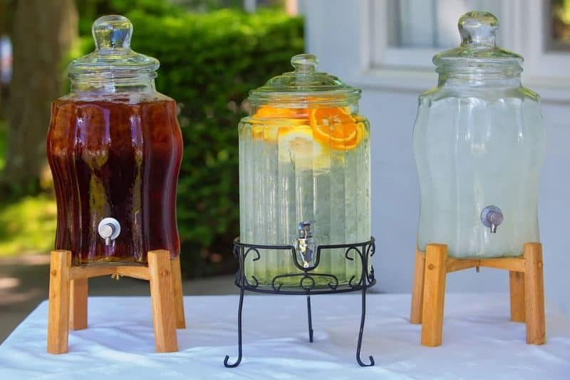 ultimate-bbq-party-ideas-75-set-up-lemonade-stand